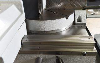 DM-10 vise slides to either side