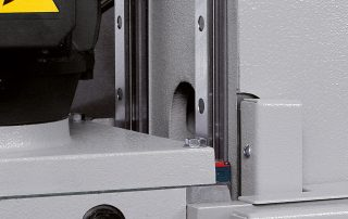 C370-2CNC sawing head movement on double linear rails