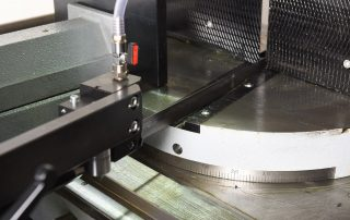 DM-12/15 rotating table with single cut line